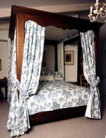 Free Elegant Poster Bed Woodworking Plans